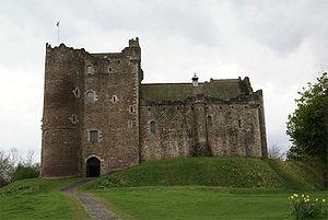300px-Doune_Castle_-_front